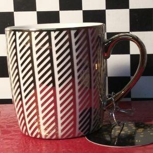 Ten Strawberry st mug nwt